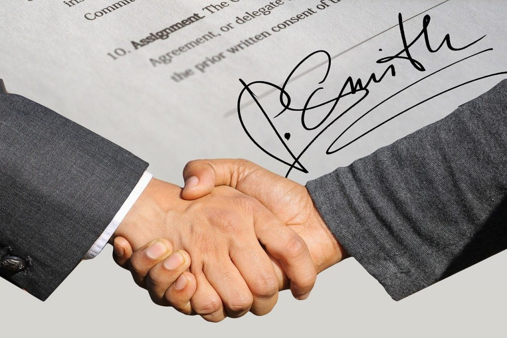 signature, contract, shaking hands-3113182.jpg
